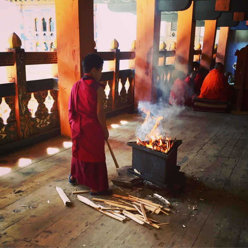 Preparing the fire for the blessing ritual